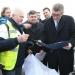 Libor Lukáš,  předal předsedovi vlády ČR Andreji Babišovi  PETICI na podporu výstavby dálnic D49 a D55.